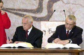 Вацлав Клаус и Владимир Шпидла в Афинах (Фото: ЧТК)