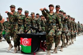 Afghanische Armee (Foto: United States Air Force, Wikimedia Commons, Public Domain)