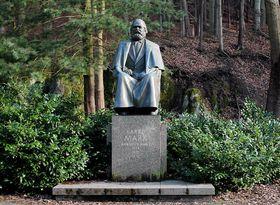 Памятник Карлу Марксу в Карловых Варах, фото: Лубор Ференц CC BY-SA 4.0