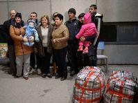 El primer grupo de ucranianos descendientes de checos llegó este martes al país, foto: ČTK