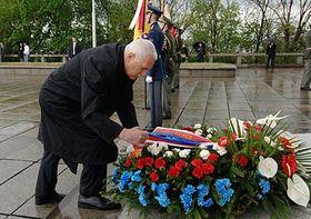 Presidente de la República, Václav Klaus en el Monumento de Vítkov (Foto: CTK)