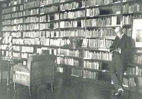 T. G. Masaryk ve své knihovně vLánech