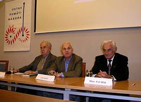 Zleva: Milan Píka (syn generála Heliodora Píky), Josef Mašín aMilan Paumer