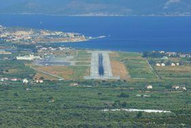 Flughafen von Samos (Foto: Kramer96, Wikimedia Commons, CC BY 3.0)
