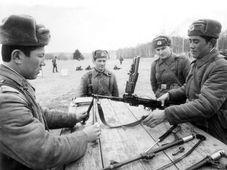 Las tropas soviéticas dejaron el país después de 23 años de ocupación, foto: VHÚ