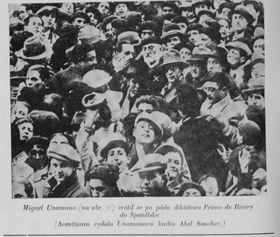 Fotonoticia en la prensa checa - Miguel Unamuno (con la x) volvió a Espaňa tras la caída del dictador Primo de Rivera