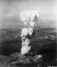 Am 6. August 1945 warfen die Amerikaner eine Uran-Bombe auf Hiroshima ab (Foto: U.S. National Archives, Public Domain)