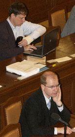 Министр внутренних дел Станислав Гросс и министр финансов Богуслав Соботка (Фото: ЧТК)