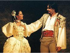 Don Giovanni, Kateřina Kněžíková et Adam Plachetka, photo: Le Théâtre National