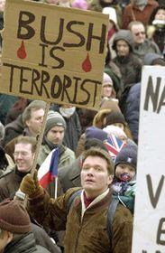 Manifestaciones contra una eventual guerra contra Iraq en Praga, foto: CTK