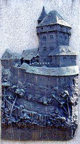 Reliéf Kozího hrádku na pomníku Jana Husa v Táboře