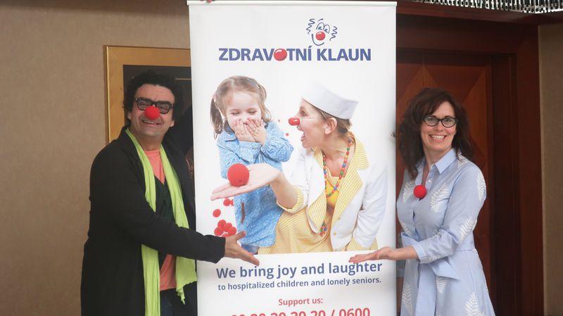 Rolando Villazón con la directora de 'Zdravotní klaun', Kateřina Slámová Kubešová, foto: Martina Schneibergová