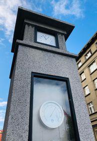 Restored meteorological column on Vítězné náměstí in Prague, photo: Ian Willoughby