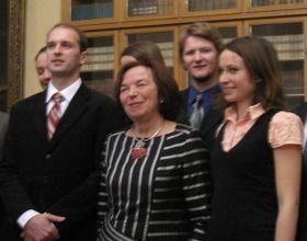 Vista general de la premiación, con la primera dama Livia Klausová