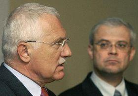 Prezident Václav Klaus (vlevo) apremiér Vladimír Špidla, foto: ČTK