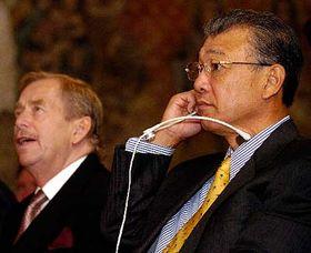 Vaclav Havel et Yohei Sasakawa, photo: CTK