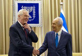 Miloš Zeman und Schimon Peres (Foto: isifa / Sipa - USA / Xinhua)