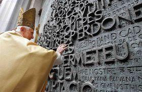 Le pape Benoît XVI, photo: CTK
