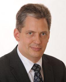 Jiří Dienstbier (Foto: Petr Vilgus, CC BY-SA 3.0)