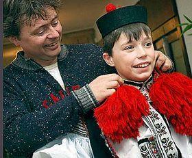 Zdeněk Křeháček se svým synem Přemyslem, králem letošní Jízdy králů, foto: ČTK