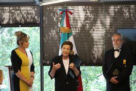 Leonora Rueda, Ludmila Holková Oborná y Oldřich Kašpar, foto: Archivo de la Embajada de México en Praga
