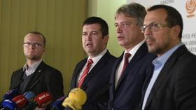 Jan Hamáček (center), photo: ČTK/Ondřej Deml