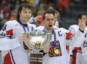 Remporter la médaille d'or, les hockeyeurs tchèques y sont finalement parvenus trois mois plus tard, en étant sacrés champions du monde à la surprise générale…, photo: CTK