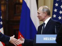 Donald Trump und Wladimir Putin (Foto: ČTK / AP Photo / Alexander Semlianitschenko)
