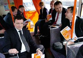 ČSSD na palubě předvolebního double-deckeru, foto: CTK