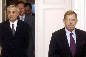 Вацлав Гавел (направо), Владимир Шпидла (нелево), Цырил Свобода и Иван Пилип (Фото: ЧТК)