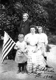 E. St. Vráz s rodinou