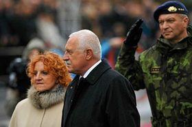 Vlasta Parkanová, Václav Klaus and Vlastimil Picek, photo: CTK