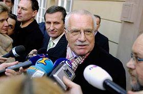 Václav Klaus po návštěvě senátorského klubu KDU-ČSL, foto: ČTK