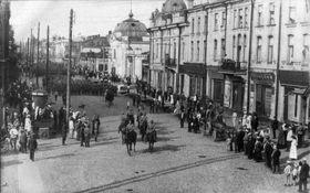 Легионеры на Большой улице в Иркутске, Фото: открытый источник