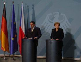 Angela Merkel y Jiri Paroubek en Berlin (Foto: Gerald Schubert)