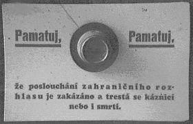 Advertencia en los radiorreceptores durante la guerra: No olvides que escuchar emisoras extranjeras se castiga con cárcel o pena de muerte.
