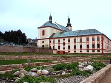 Ehemaliges Augustiner-Kloster in Vrchlabí (Foto: Martin Mašek, Wikimedia Commons, CC BY-SA 4.0)