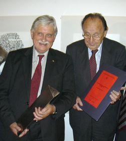 Слева: Иржи Динстбир и Ганс Дитрих Геншер