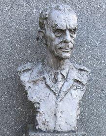 El busto de Karel Klapálek en el paso de Dukla, foto: Peter Zelizňák, public domain