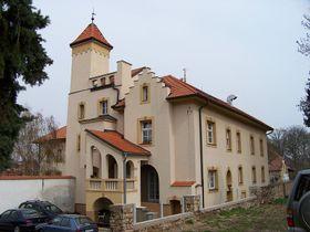 Schloss Lochkov (Foto: ŠJů, CC BY-SA 4.0 International)