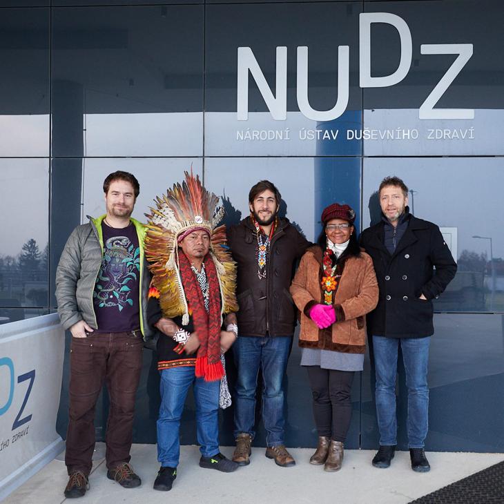 Фото: Индейцы в гостях у пражских специалистов, архив чешского Национального института психического здоровья (NÚDZ)