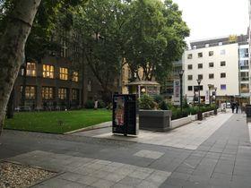 Courtyard behind Slovanský Dům, photo: Ian Willoughby