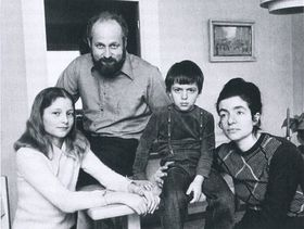 Франтишек Яноух с семьей в Швеции, 1976 г. (слева: дочь Катержина, Ф.Й., сын Эрик, супруга Ада)