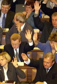 Dipudados comunistas votan en contra de la OTAN, Foto: CTK