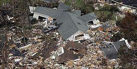 Domy ve městě Waveland vamerickém státě Louisiana zničené po průchodu hurikánu Katrina, foto: ČTK