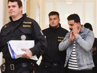 Einer der Iraker, der am Prager Flughafen verhaftet wurde (Foto: ČTK / Vít Šimánek)