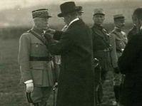 Le président Masaryk décore le général Pellé (novembre 1919), photo: sabix.revues.org