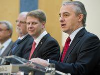 The government working group: Josef Středula, Tomáš Prouza, Jaroslav Hanák and Vladimír Dlouhý, photo: ČTK
