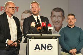 De izquierda:  Ivan Pilný, Petr Stuchlík y Patrik Nacher, foto: ČTK / Michal Kamaryt