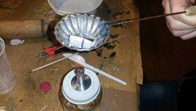 Один из методов гадания - отливание стали, Фото: Доминика Бернатова, Чешское радио - Радио Прага